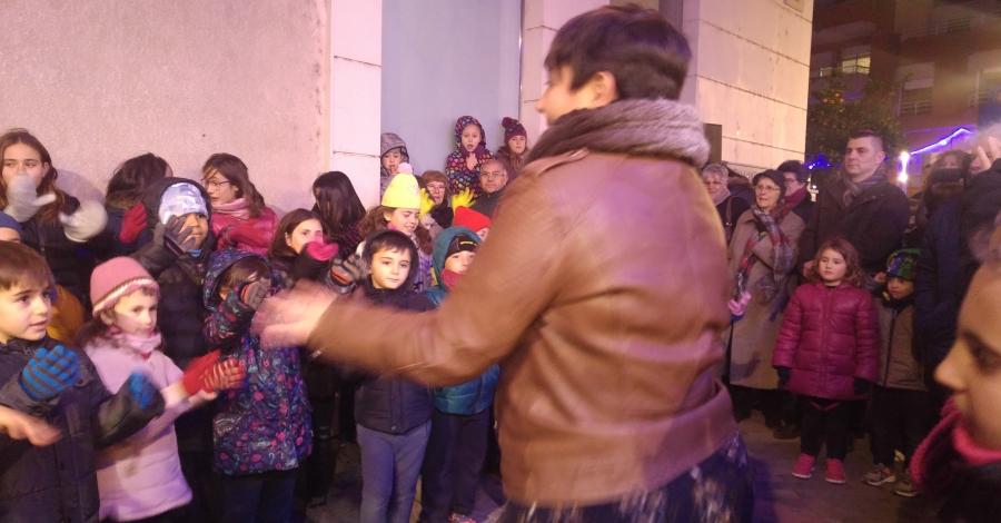 S'encenen els llums de Nadal als carrers d'Amposta   Amposta.info