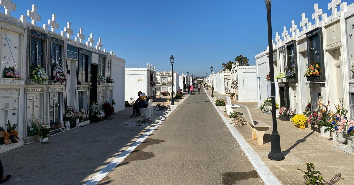El ple de l'Ajuntament d'Amposta porta a aprovació inicial el reglament del cementeri municipal