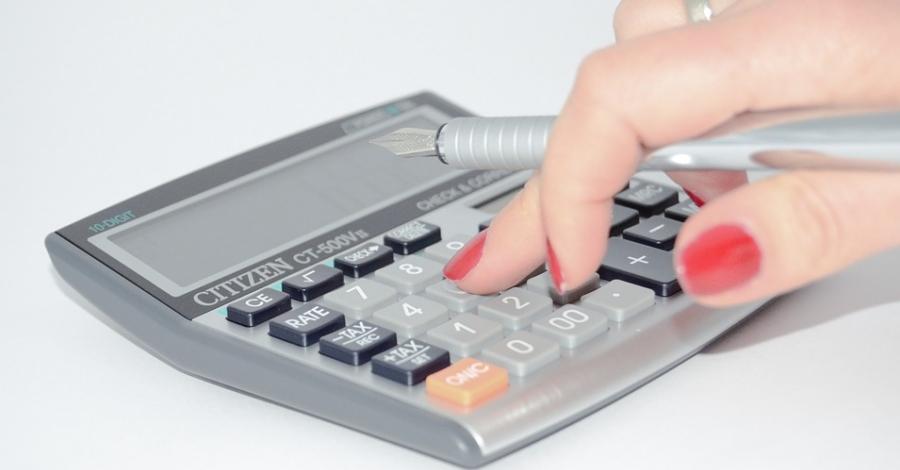 Agrupar els tributs municipals i fraccionar-ne el pagament en nou mensualitats