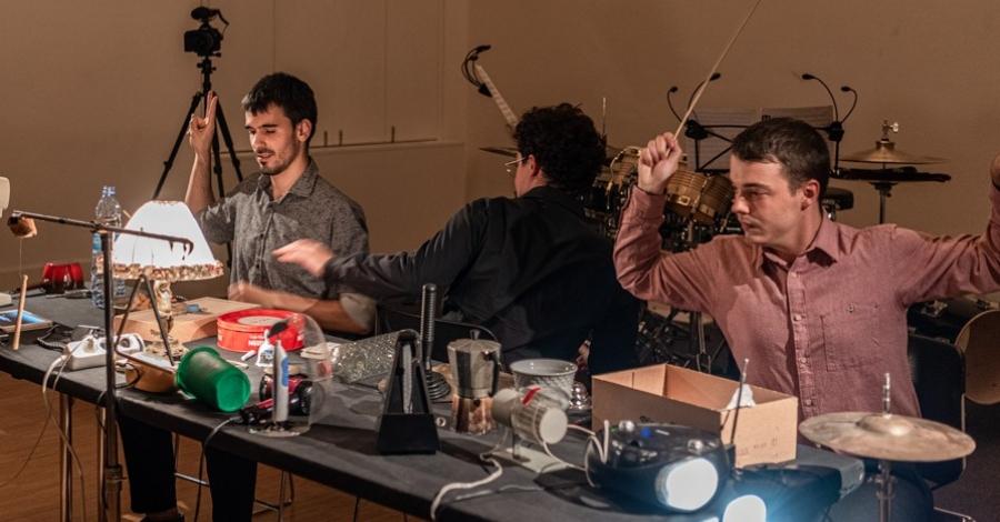 El festival de música inusual OUT·SIDE porta a Lo Pati la percussió experimental de Frames Percussion | Amposta.info