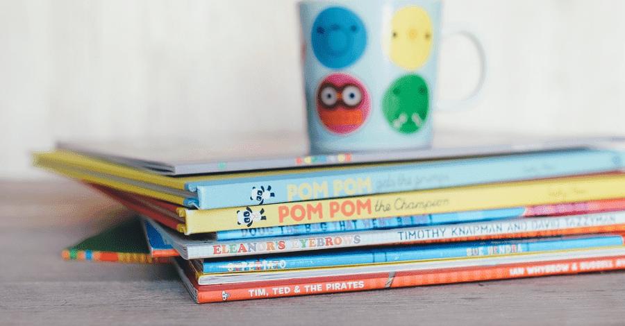 """Exposició de llibres infantils i juvenils al voltant del món laboral """"A PENCAR"""""""