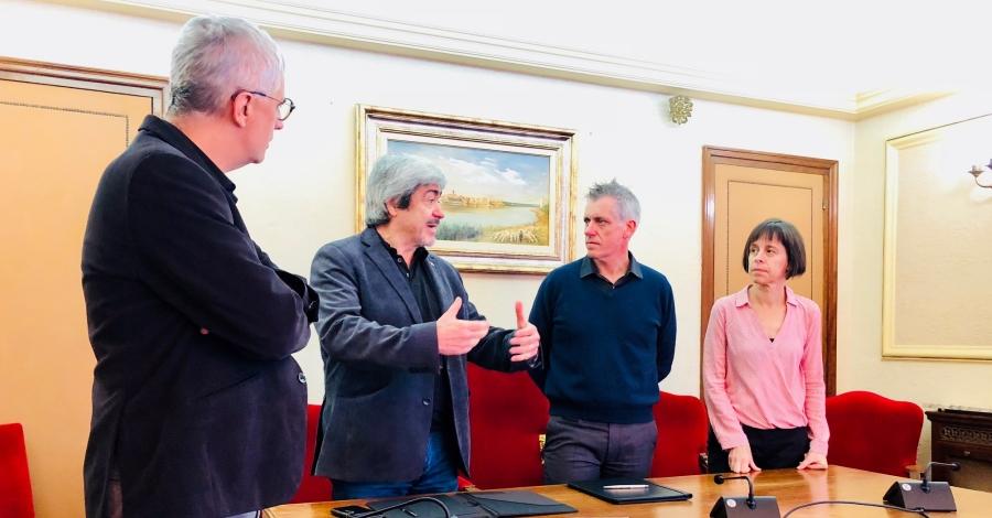 L'Ajuntament d'Amposta i Amical Mauthausen signen un conveni de col·laboració per al recuperació de la memòria històrica | Amposta.info