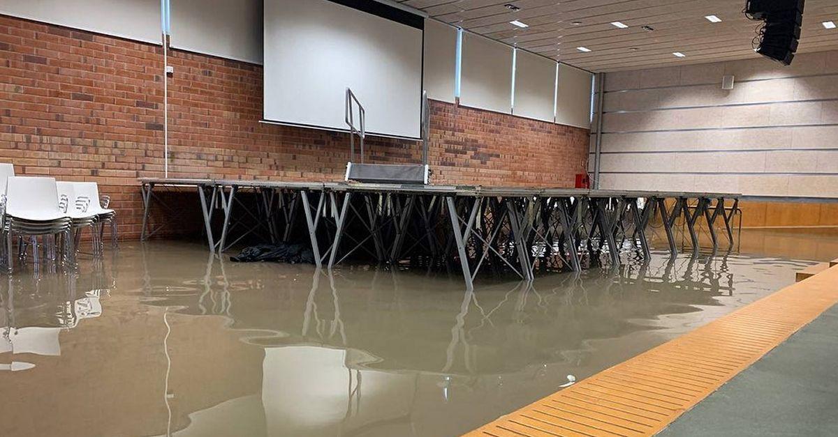 Els forts aiguats de la matinada de dimarts a dimecres provoquen danys en diferents edificis municipals