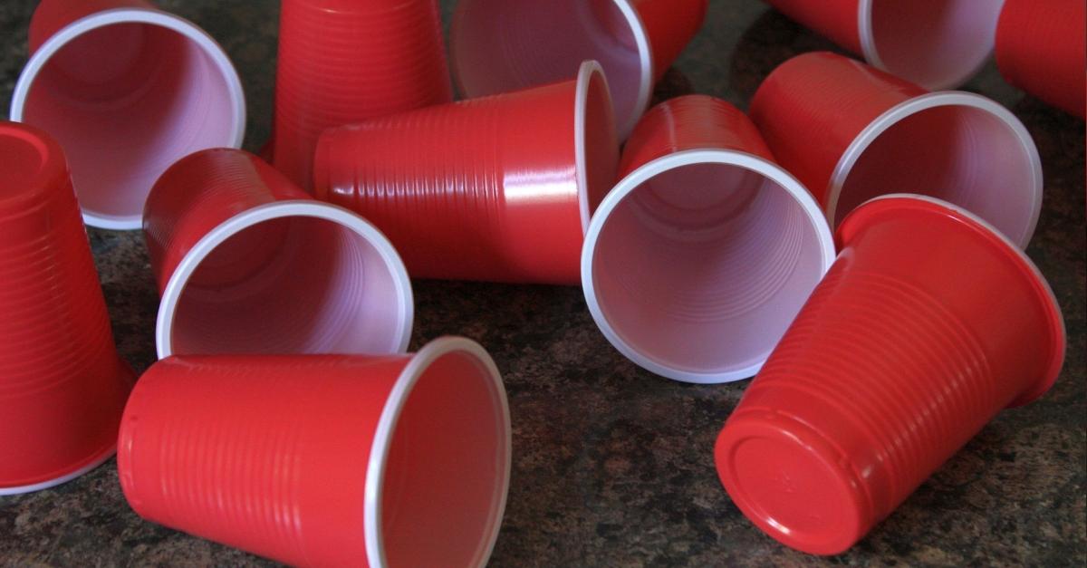 Acció Climàtica prepara una llei per restringir els envasos de plàstic i promoure els retornables