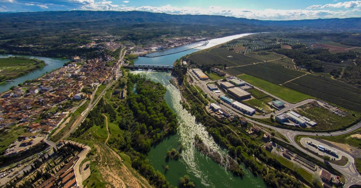 El Consorci del Museu de les Terres de l'Ebre i l'Ajuntament de Flix signen un conveni per ordenar la gestió del patrimoni cultural