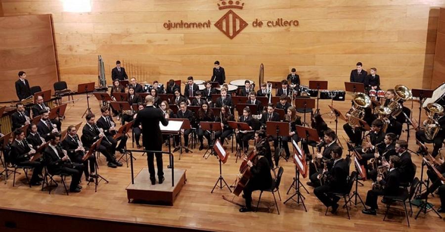 140 músics interpreten l'obra Vikings de Lionel Beltrán-Cecilia a Cullera