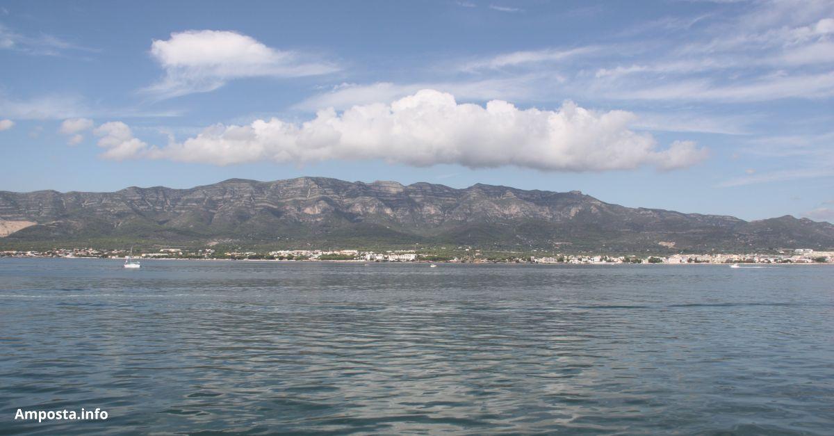Acció de neteja a la Badia dels Alfacs, en el marc d'una iniciativa de l'Euroregió Pirineus- Mediterrània durant el World Clean Up Day | Amposta.info