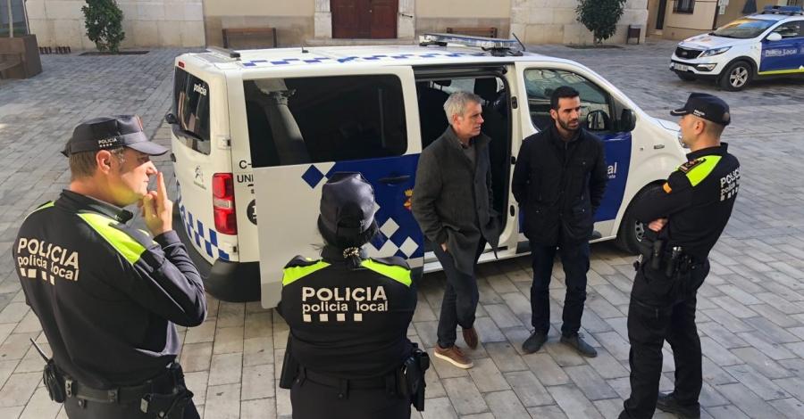 La Policia Local incorpora un nou vehicle d'atestats | Amposta.info