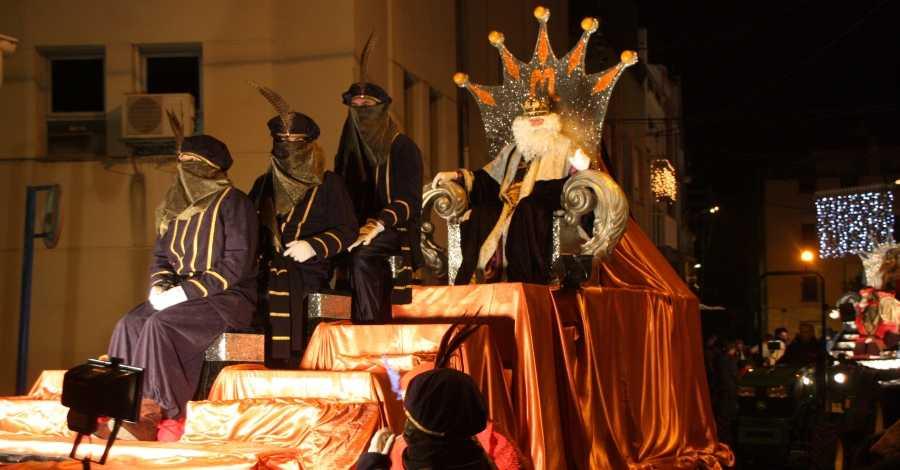 Amposta viu una nit màgica amb la visita dels Reis d'Orient