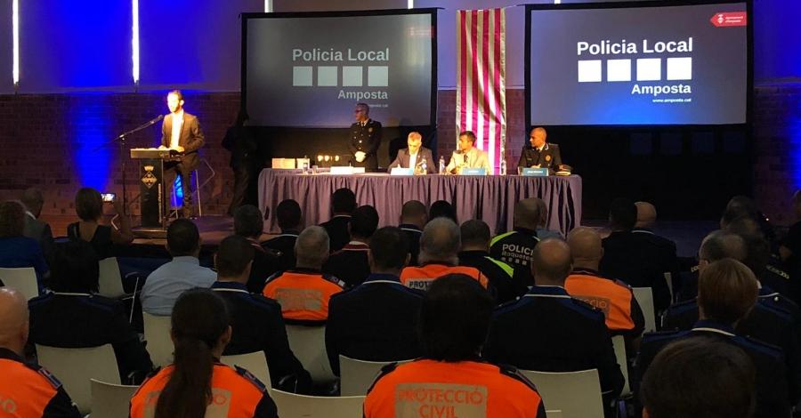 Amposta posa en relleu la tasca de la Policia Local i Protecció Civil amb una vintena de reconeixements i felicitacions | Amposta.info