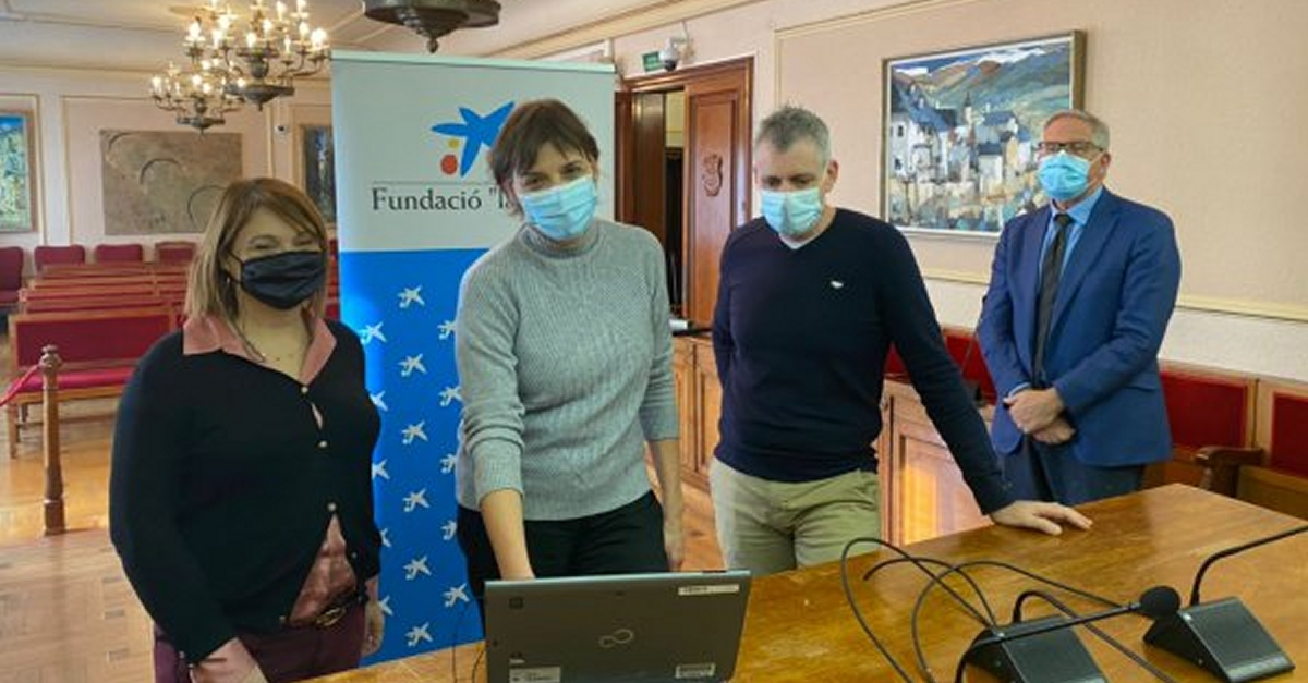 L'Obra Social la Caixa dona 5.000 euros al programa de salut bucodental de l'Ajuntament d'Amposta i Creu Roja