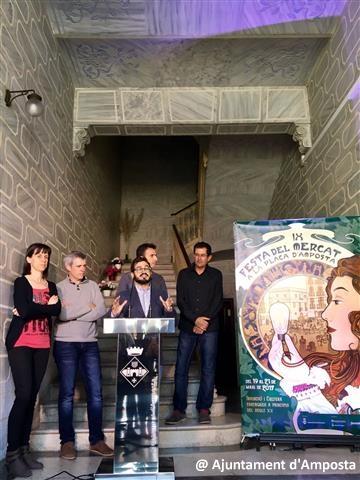 Avui s'ha presentat el cartell de la 9a edició de la Festa del Mercat, que enguany estarà dedicada a l'arribada de la llum | Amposta.info