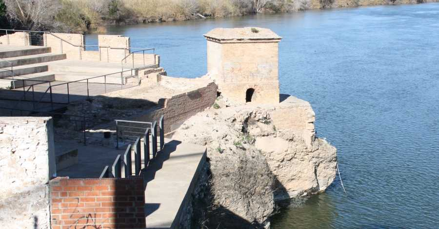 Presentació del projecte de regeneració ambiental i posada en valor de la façana fluvial i a l'encesa de llums de l'arc gòtic