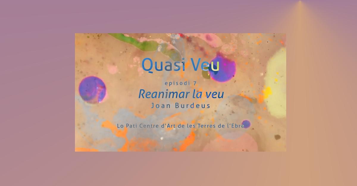 Acció performativa de l'artista sonora Laura Llaneli en el marc del programa Quasi veu