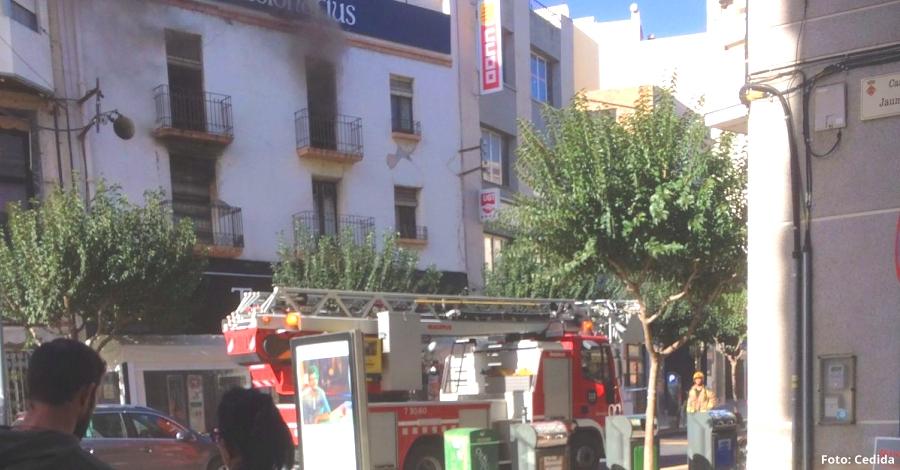 Un incendi crema el pis superior de la cafeteria Tradicionarius | Amposta.info
